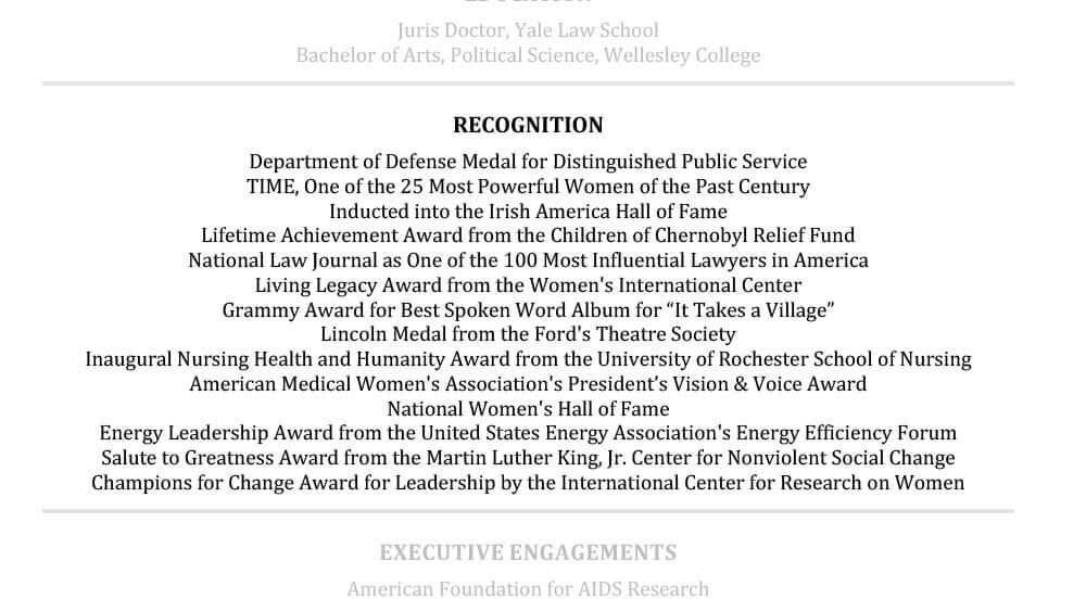 Ejemplo Sección de reconocimiento de currículum vitae de Hillary Clinton Senior